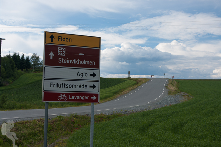 Sign to Levanger